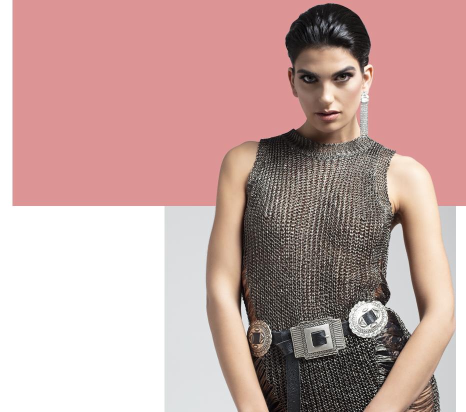 Accessory Design Grafica Outfit modella